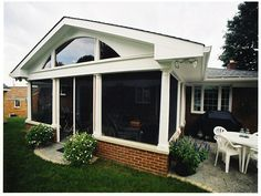 Lovely Screen Room by Bluedog Exteriors