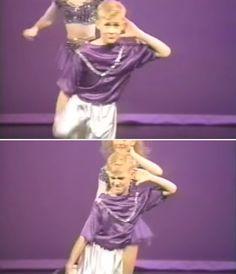 Le BUZZ - Ryan Gosling danse sur M.C. Hammer à l'âge de 12 ans | HollywoodPQ.com