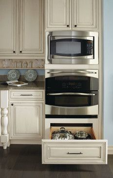 Double Oven Cabinet - traditional - kitchen cabinets - other metro - MasterBrand Cabinets, Inc. Kitchen Ikea, Kitchen Stove, Kitchen Redo, Kitchen And Bath, New Kitchen, Double Oven Kitchen, Double Wall Ovens, Kitchens With Double Ovens, Kitchen Furniture