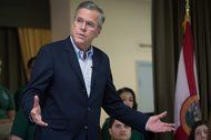 Donald Trump Says Jeb Bush Should Stop Speaking Spanish - First Draft. Political News, Now. - The New York Times