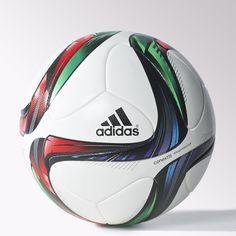 Da lo mejor de ti con un balón de fútbol igual de bueno que tú. Este balón ha sido diseñado con una superficie sin costuras térmicamente sellada para conseguir una mayor precisión en todos tus pases y lanzamientos a puerta. Cubierta, refuerzo y cámara confeccionadas con materiales de primera calidad.