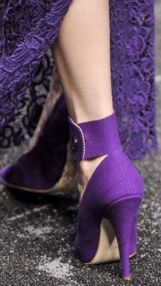 Dorna fashion shoes, purple shoes  #thescarpetta #freeshoes #springstyle