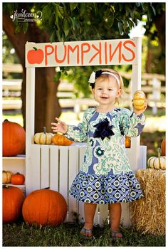Pumpkin Mini Sessions  Fall Mini Session  Pumpkin Stand Glendale Arizona Family Photographer  JLAnderson Photography #pumpkinminisession