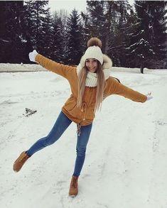 winter outfits christmas melhores looks de inv - winteroutfits Winter Outfits For School, Cute Winter Outfits, Winter Fashion Outfits, Autumn Winter Fashion, Snow Outfits For Women, Outfit Winter, Winter Clothes, Snow Clothes, Black Outfits