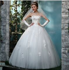 Find More Wedding Dresses Information about 2015 new hot sale luxury sexy backless elegant  beach vintage sweetheart princess  lace white  wedding dress strapless,High Quality dress to wear to fall wedding,China wedding dresses bows Suppliers, Cheap wedding dress feather from Playful beauty department store on Aliexpress.com