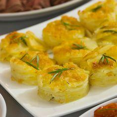 Recept på Potatispuck med ost och rosmarin från - Hemmets Journal