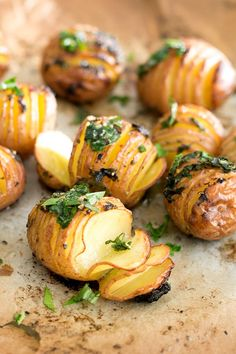 Simple Vegan Lemon Garlic Herb Roasted Potatoes - simple to make, only a handful of ingredients, and ready in under an hour.#POTATOES #roasted #herb #lemon #garlic #healthy #vegan #recipes