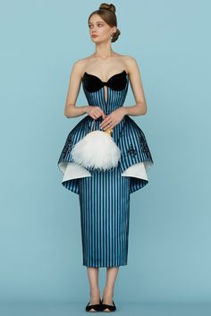 Ulyana Sergeenko / Spring 2015 (трафик) / Дизайнеры / ВТОРАЯ УЛИЦА Style Haute Couture, Spring Couture, Couture Week, Couture Fashion, Runway Fashion, Womens Fashion, Paris Fashion, Beauty And Fashion, Look Fashion