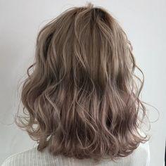 Permed Hairstyles, Pretty Hairstyles, Medium Hair Styles, Curly Hair Styles, Ulzzang Hair, Short Wavy Hair, Grunge Hair, Hair Designs, Dyed Hair
