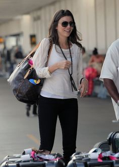 Heather Dubrow - Legging's and casual top = perfect for travelling