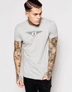 T-Shirt von Diesel weiches Jersey Rundhalsausschnitt Logoaufdruck mit Flügeln reguläre Passform - entspricht den Größenangaben Maschinenwäsche 100% Baumwolle Unser Model trägt Größe M und ist 185,5 cm/6 Fuß, 1 Zoll groß