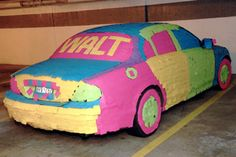 How many Post It notes does it take to cover a jaguar? How many Post It notes does it take to cover a jaguar? How many Post It notes does it take to cover a jaguar? Harmless Pranks, Funny Pranks, Funny Jokes, April Fools Pranks, April Fools Day, Work Pranks, Post It Art, Practical Jokes, Home