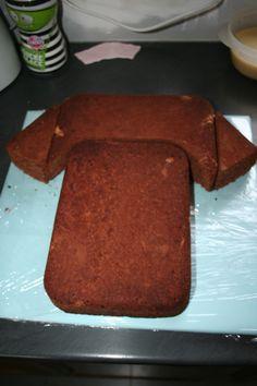 """Résultat de recherche d'images pour """"TUTO gateau en forme de t.shirt de foot pate a sucre"""""""