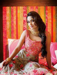 Bollywood Actress Hot Photos, Indian Bollywood Actress, Beautiful Bollywood Actress, Tamil Actress Photos, Indian Film Actress, Indian Actresses, Beautiful Girl Indian, Beautiful Indian Actress, Indian Celebrities