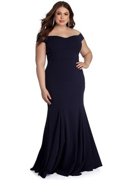 Explore trendy women's plus size clothing and fashions at Windsor from dresses in formal and casual styles, tops, bottoms, lingerie and shapewear in plus sizes. Plus Size Formal Dresses, Bridesmaid Dresses Plus Size, Plus Size Gowns, Wedding Dresses With Straps, Plus Size Maxi Dresses, Plus Size Dresses To Wear To A Wedding, Curvy Girl Fashion, Plus Size Fashion, Gauze Clothing