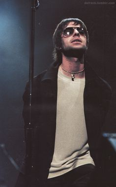 """Liam Gallagher (William John Paul """"Liam"""" Gallagher) is the lead singer of the English rock band Oasis. This picture is from Gene Gallagher, Lennon Gallagher, Oasis Live, Liam And Noel, Oasis Band, Beady Eye, Band Pictures, Britpop, Star Shape"""