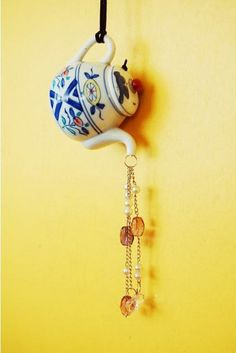 DIY Teapot Wind Chimes. See the steps
