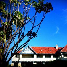 Stay at Art Deco Landmark Caves House Hotel via @Kirsten Alana #travel #stay #Australia