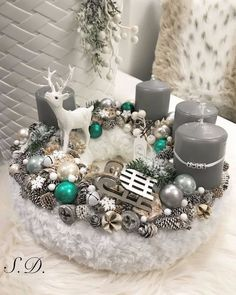 72 Trend Simple Rustic Winter Christmas Centerpiece – Welcome My World Christmas Advent Wreath, Christmas Mood, Christmas Candles, Noel Christmas, Christmas Crafts, Winter Centerpieces, Advent Candles, Decorating With Pictures, Deco Table
