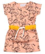 Roze flamingo jurkje - Mini Rodini  We hoeven niet meer naar de Camargue te trekken om flamingos in Europa te spotten. Dit hippe jurkje volstaat ruimschoots! Komt in dubbele maatjes 80/86, 92/98, 104/110 en 116/122. € 44,00-