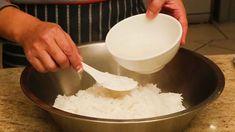 Sushi Roll Recipes, Veggie Recipes, Sashimi, Bacon Cheeseburger Dip, Rice Rolls, Cook N, How To Make Sushi, Japanese Rice, Sushi Rolls
