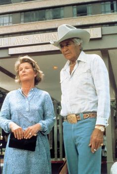 "Jim Davis alias ""Jock Ewing"" and Barbara Bel Geddes alias ""Miss Ellie Ewing Farlow"" in Dallas. Barbara Bel Geddes, Classic Series, Classic Tv, Tv Actors, Actors & Actresses, Mike Brant, Dallas Tv Show, Robert Sean Leonard, Jim Davis"