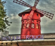 Moulin rouge . Paris . Francia