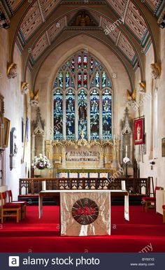 The interior of perpendicular church of St James in typical English provincial county town of Trowbridge, Wiltshire, England, UK Stock Photo Catholic Churches, Church Interior, Saint James, England Uk, Short Film, Scotland, Ireland, Saints, English