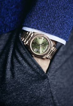 The Rolex Day-Date 40 unveiled at Baselworld on the wrist of Roger Federer. The Rolex Day-Date 40 unveiled at Baselworld on the wrist of Roger Federer. Rolex Watches For Men, Luxury Watches For Men, Timex Watches, Men's Watches, Fashion Watches, Seiko, Rolex Women, Rolex Day Date, Men Accessories