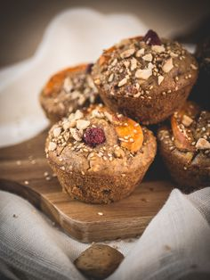 Almond Muffins, Sesame, Saveur, Breakfast, Cupcake, Food, Raspberries, Almonds, Sweet Recipes