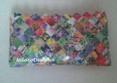 Pung/kuverttaske lavet af et blomster-katalog