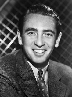MACDONALD CAREY (1913 - 1994)  Dr. Horton on Days of Our Lives.