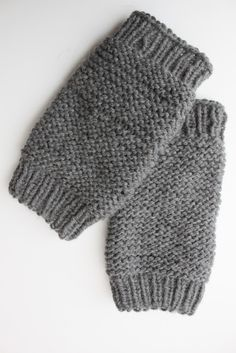 knit leg warmers tutorial.  Cast on 35.  Includes instructions for child.  Size 5 circular knitting needles.  Mw