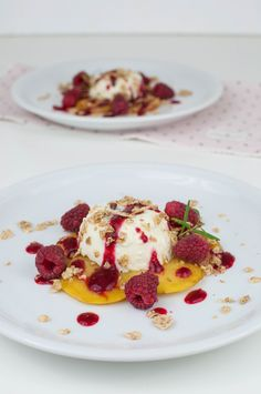 Rosemary panna cotta with roasted peaches and raspberries - a little pinch of Anna Egg Recipes For Dinner, Easy Egg Recipes, Mexican Breakfast Recipes, Dessert For Dinner, Brunch Recipes, Snack Recipes, Snacks, Easy Hollandaise Sauce, Hard Boiled Egg Recipes