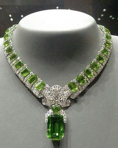 Unique Cartier Peridot necklace! Special order from 1936. [my birthstone but meh...unless I could wear this....to walmart....to gas up the car...hahaha jh