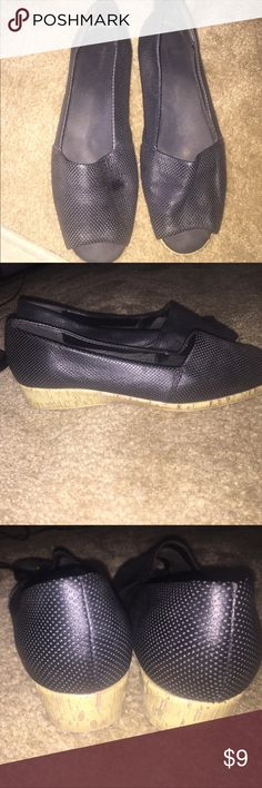 Super comfortable aerosoles open toe shoes size 10 Super comfortable and in great condition Aerosoles open toe in black shoes Shoes Flats & Loafers