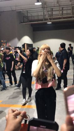 cr to on twt Blackpink Twitter, Rose Video, Blackpink Lisa, Day6, Yg Entertainment, Forever Young, Korean Girl Groups, Girl Crushes, My Girl