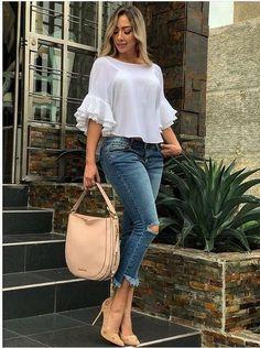 Me encantan estos 50 Looks con Jeans de Moda para Mejorar tu Estilo - blusas hermosas Latest Fashion Dresses, Fashion Outfits, Fashion Ideas, Fashion Styles, Style Fashion, Fashion Top, Dress Fashion, Teen Jeans, Mode Jeans