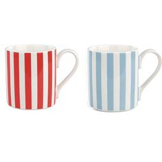 Our dainty tea mugs are just the right size for your morning cup of tea before you leave the house, and this set of 2 makes a lovely gift.