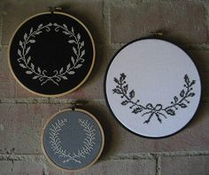 il_fullxfull.166690414 .... love these wreaths, would be pretty with initials in the middle Flower Paintings, Cross Stitches, Crosses