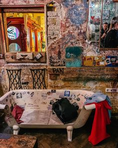 Szimpla Kert was the first romkocsma or Ruin Bar in Budapest. The most famous ruin bars can be found in the Pub Design, Restaurant Design, Budapest Ruin Bar, Business Place, Christmas Markets Europe, Slums, Hospitality Design, Island, Studio