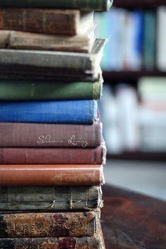Books and Tea Tea And Books, Stack Of Books, I Love Books, Good Books, Books To Read, Wild Book, Love Reading, Reading Books, Magazine Crafts