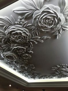 Bringing Back Plasterwork As a Stylish Way For Ceiling Decorating - Uncinetto Plaster Ceiling Design, House Ceiling Design, Ceiling Design Living Room, Ceiling Decor, Sculpture Painting, Wall Sculptures, Plaster Art, Dressing Room Design, Pop Design