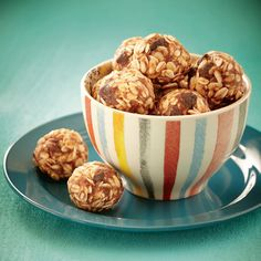 Healthy Breakfast Snacks, Healthy Meals For Kids, Healthy Dessert Recipes, Dog Food Recipes, Snack Recipes, Protein Bites, Protein Snacks, Eat For Energy, Cold Meals
