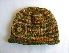 この作品はSALEになっています。 6000円 → 4200円(30%off)カーキ系とオレンジ系のMix手紡ぎ糸をボーダーに編んだニット帽です。太...|ハンドメイド、手作り、手仕事品の通販・販売・購入ならCreema。