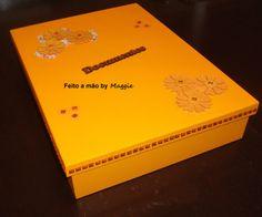 Caixa em MDF para guardar documentos - feminina - decorada com flores e strass.