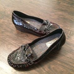 Women's TAOS Burgundy Patent Leather Loafer Size 7 #Taos #LoafersMoccasins