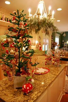 nice 39 Beautiful and Charming Tabletop Christmas Trees Decoration Ideas
