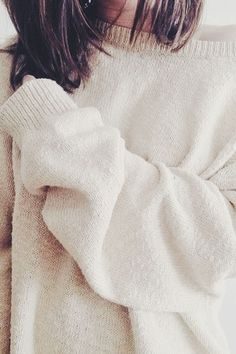 25 Impossibly Chic Images   Sweater Weather for Cold December Nights :: This is Glamorous
