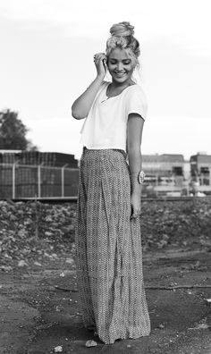 Cute & Relaxed: cropped white t shirt + chevron printed maxi skirt + messy top knot + bohemian jewelry